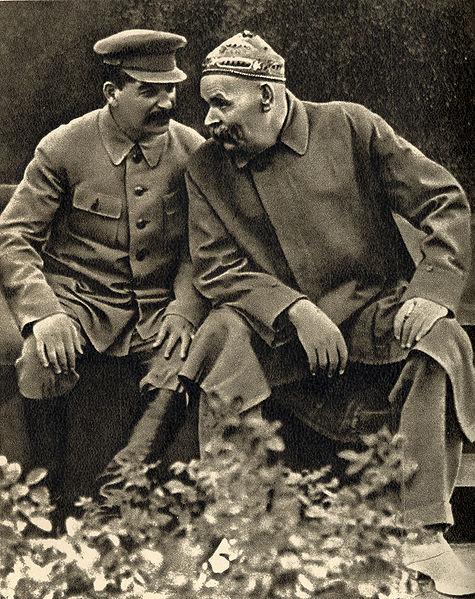 相槌を打っているスターリン
